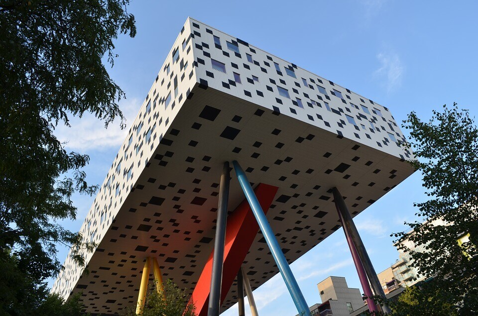 Parte moderna della sede dell'Ontario College of Art and Design a Toronto