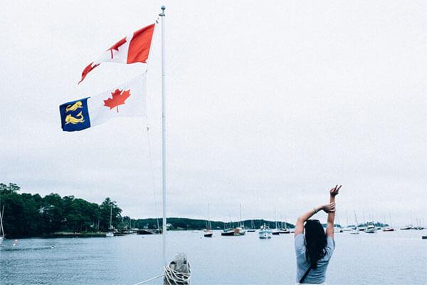 Ragazza appena immigrata in Canada