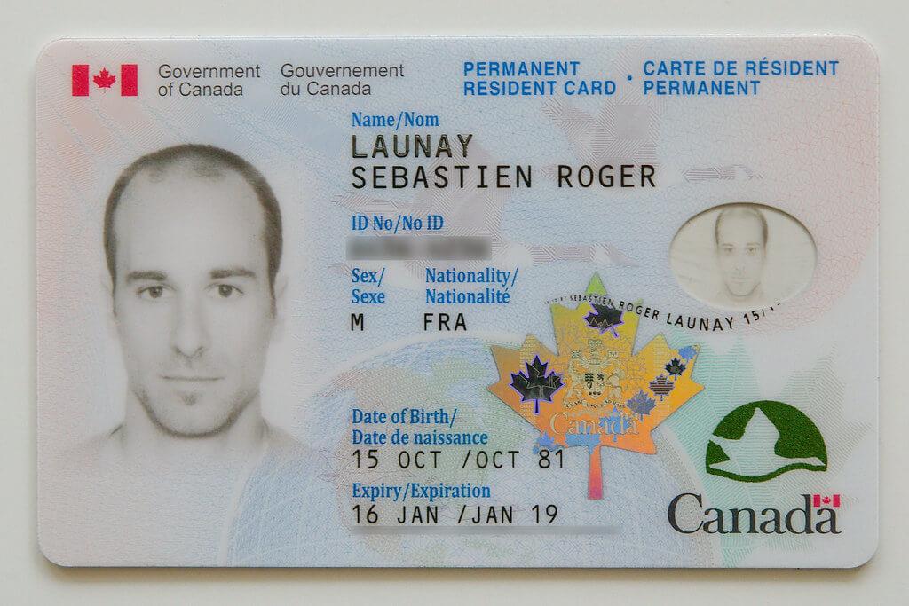 Esempio di carta di residenza del Canada