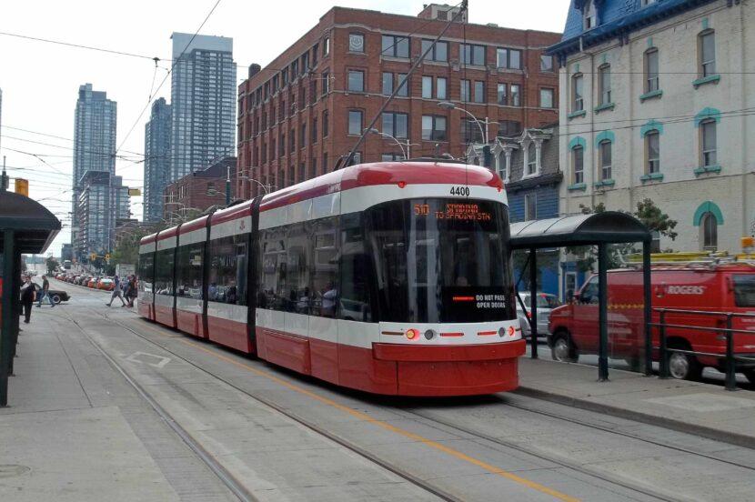 Un nuovissimo streetcar Flexity di Toronto